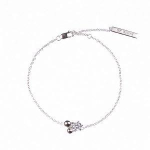 silverarmband med sten och silverkulor