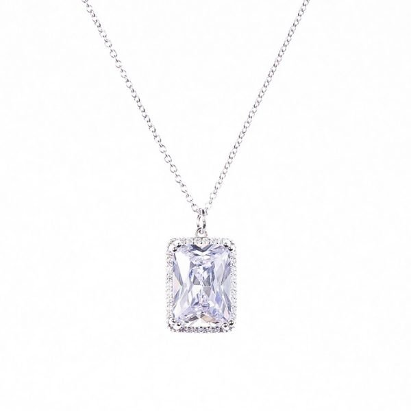 Halsband i silver med sten