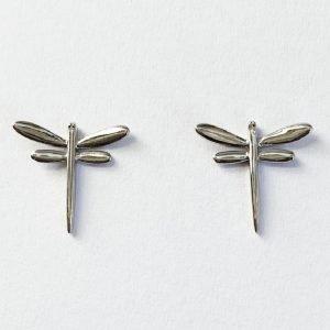 örhängen i silver med sländor